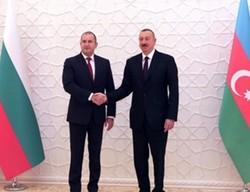 Радев разговаря по телефона с Алиев