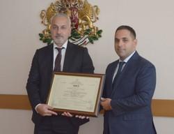 Фирма получи сертификат за инвестиция клас А от икономическия министър