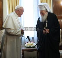 Pope Francis Recalls Example of Ss Cyril and Methodius, Pope John XXII as He Visits Holy Synod, Prays Regina Coeli