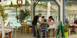 Гърция ни цака с евтино море