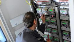 Влизат в сила новите цени на парното и тока