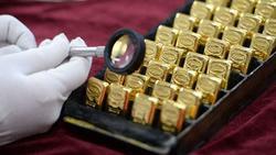 Кризата чука, златото излетя