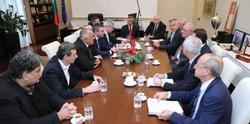 Бизнес и синдикати преговарят за реформи
