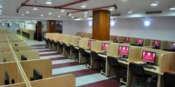 20 000 в УНСС ще учат онлайн