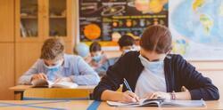 Учениците от 7, 8 и 12 клас се връщат в училище