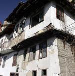 """100 стари къщи """"висят"""" над главите на великотърновци"""