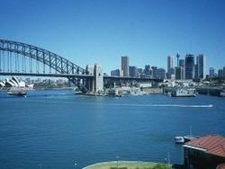 Австралийската икономика остава силна в навечерието на бедствията